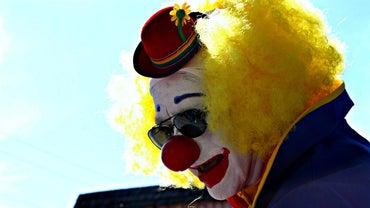 How Do I Apply Clown Makeup?