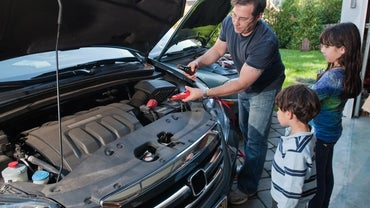 What Are Some Auto Batteries That Typically Receive High Reviews?