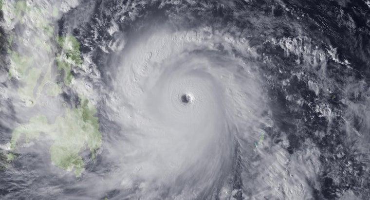 average-size-hurricane-s-eye