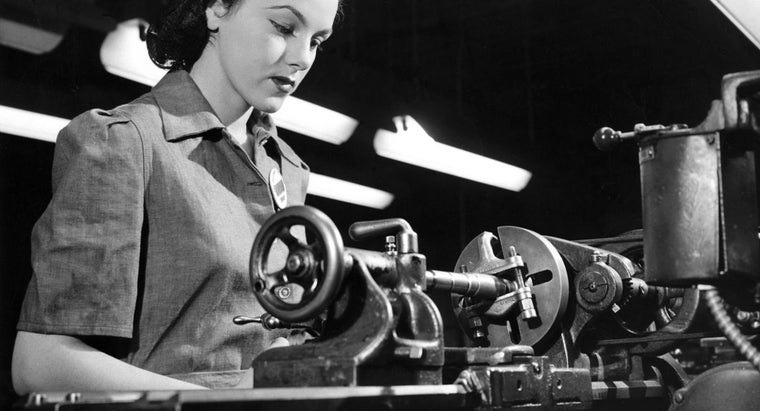 average-weekly-pay-female-factory-worker-1944