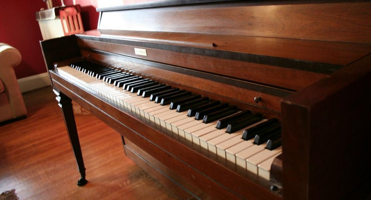 average-weight-spinet-piano