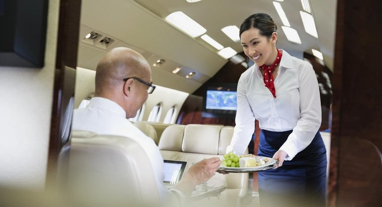 become-flight-attendant-canada