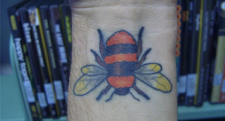 bee-tattoos-symbolize
