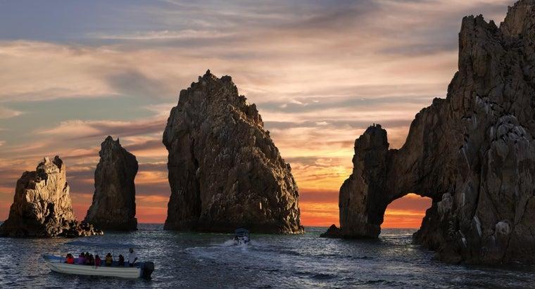 body-water-separates-mexico-baja-california