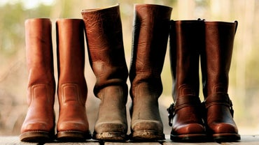 How Do You Break in Leather Boots?