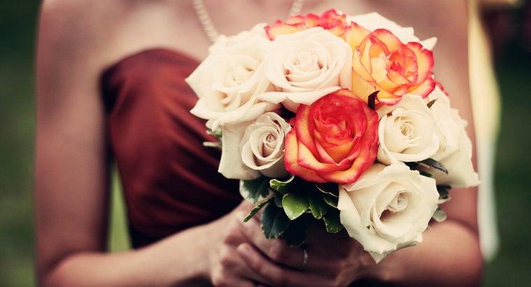 tips-buying-bridesmaid-proposal-gifts