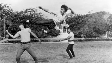 What Are Some of Bruce Lee's Physical Feats?