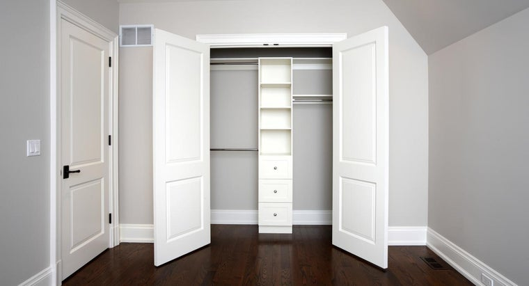 What Is the Best Way to Build a Bedroom Closet? | Reference.com