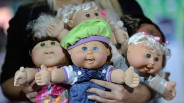 How Can You Identify Cabbage Patch Dolls?