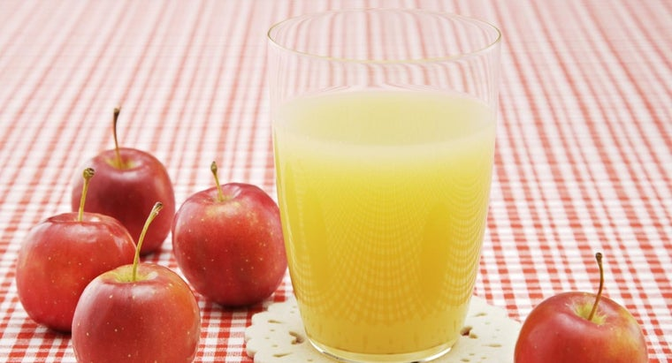 can-2-month-old-baby-drink-apple-juice