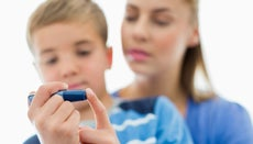 How Can a Diabetic Keep His Blood Sugar Levels Within a Normal Range?