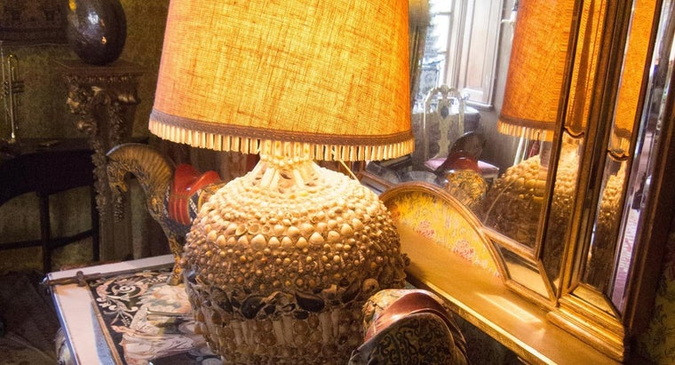 can-identify-antique-table-lamps