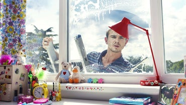 How Can I Make an All Natural Window Cleaner at Home?