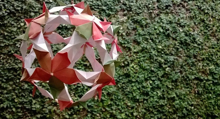 can-sphere-made-out-paper
