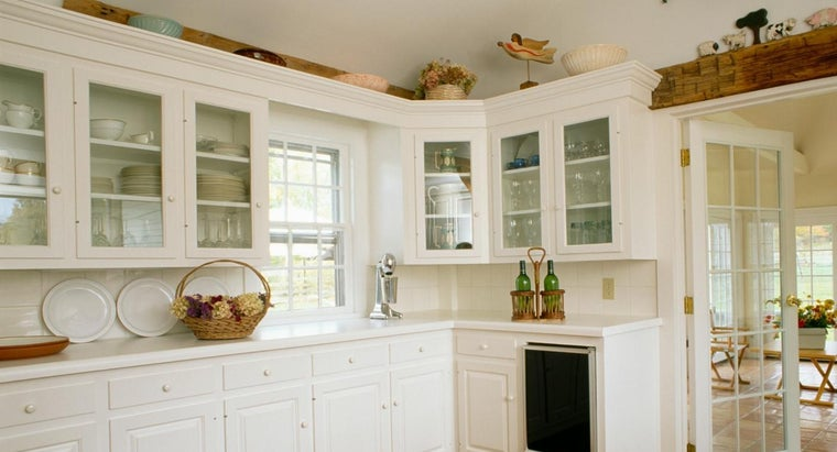 can-use-decorate-above-kitchen-cabinets