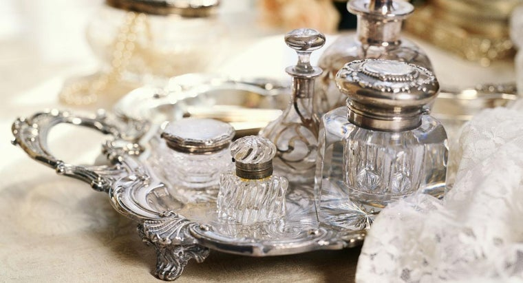 can-vintage-perfume-tray