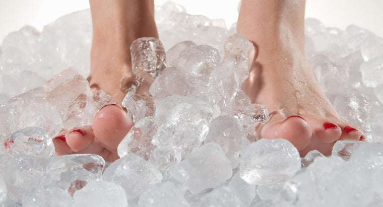 cause-severe-foot-pain-plantar-fasciitis-heel-spur