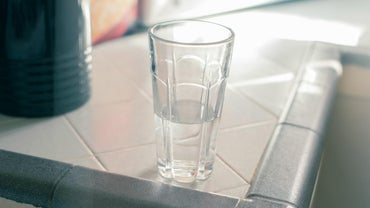 What Causes Cloudy Drinking Glasses?