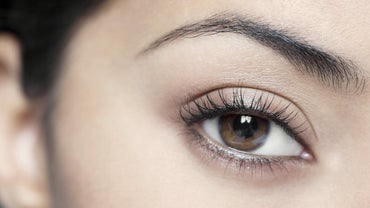 What Causes Eyelash Loss?
