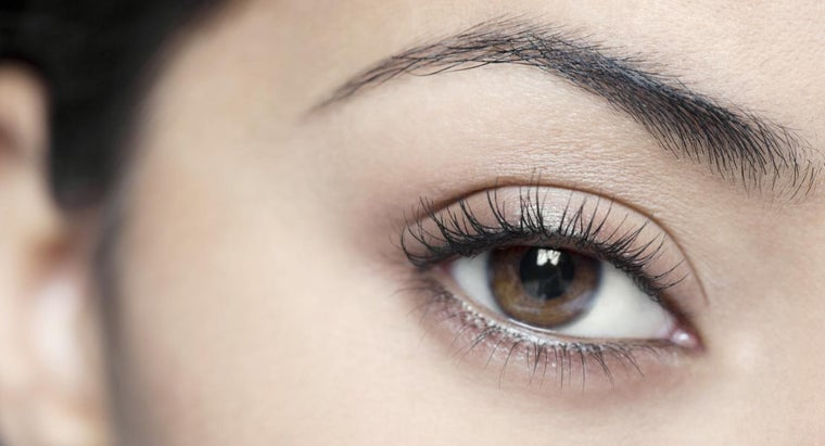 causes-eyelash-loss