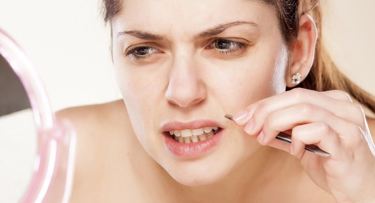 causes-female-facial-hair