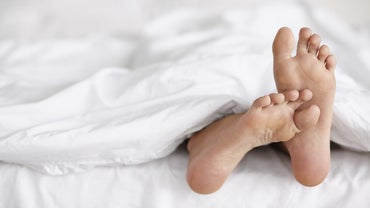 What Causes Itchy, Burning Feet?