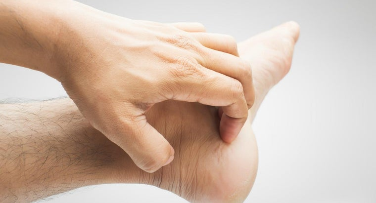causes-itchy-hands-feet
