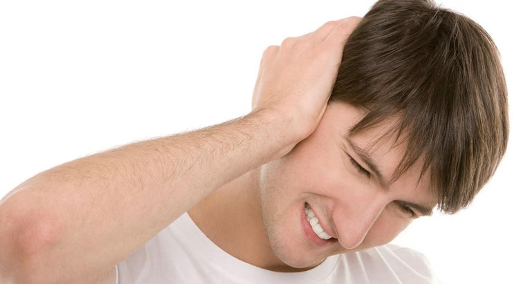 causes-neck-swelling-ear-pain