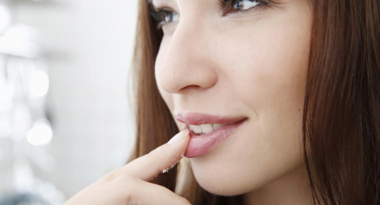 causes-numbness-lips