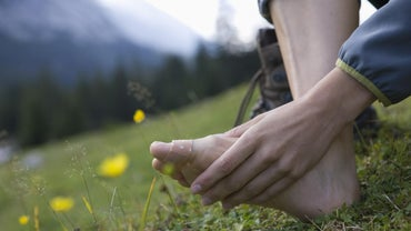 What Causes Pain in the Toes and Ball of the Foot?