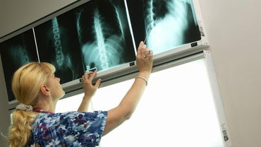 What Are the Certification Requirements for an X-Ray Technician?