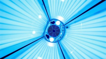 How Do You Change Tanning Bed Bulbs?