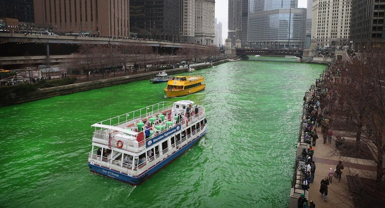 chicago-dye-its-river-green