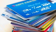 How Do You Choose a Credit Card for the First Time?