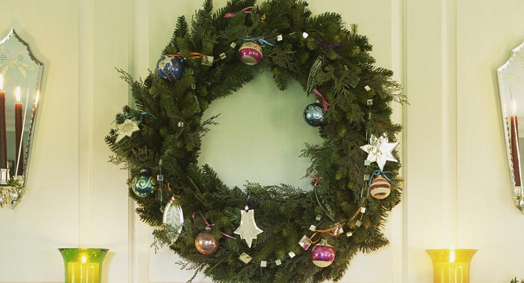 christmas-wreath-symbolize