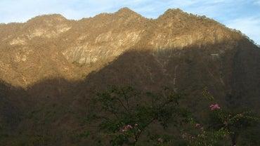 What Cities Are Near the Western Cordillera Mountain Range?