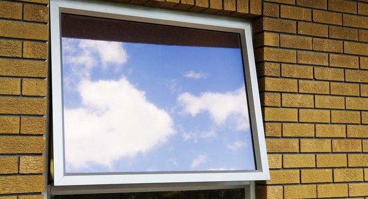clean-aluminum-window-frames