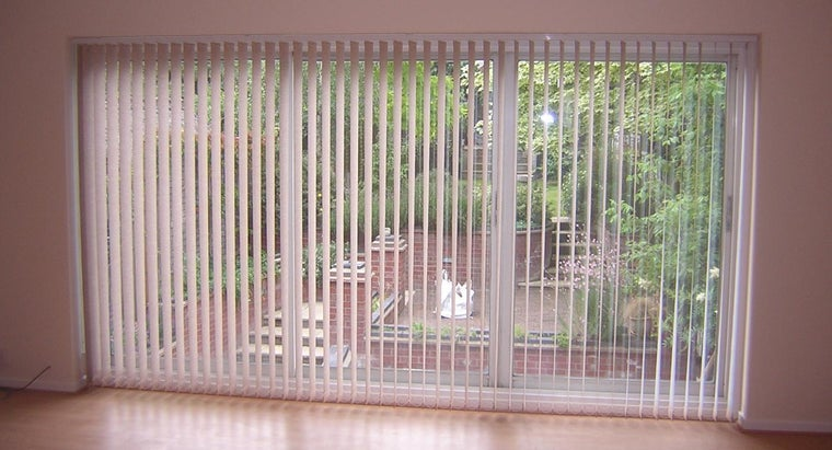 clean-cloth-vertical-blinds