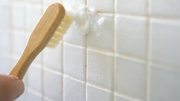 How Do You Clean Grout With Baking Soda?