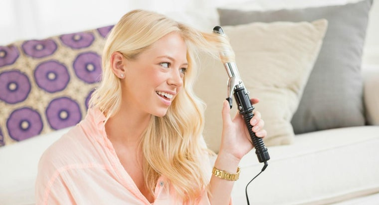 clean-hairspray-off-curling-iron