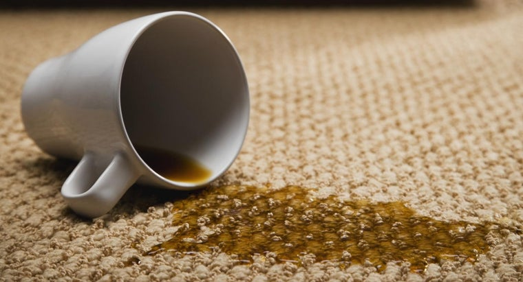 clean-stains-carpet
