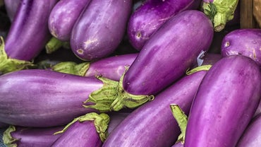 What Does the Color Aubergine Look Like?