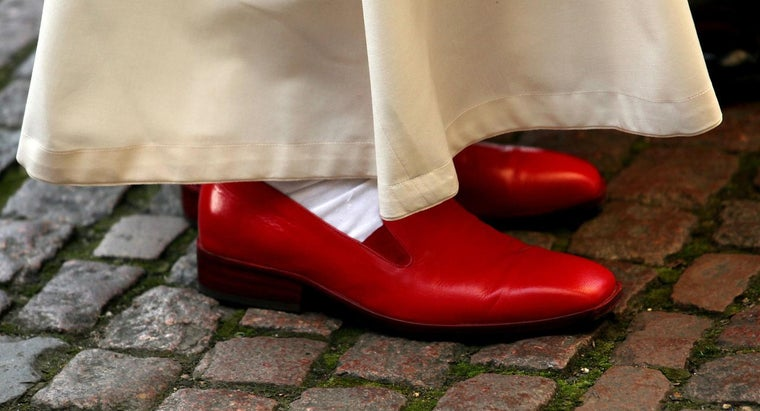 color-pope-s-shoes
