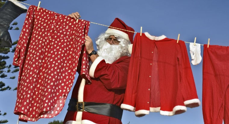 color-santa-s-suit-originally
