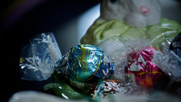 What Colors Do Lindt Truffles Come In?