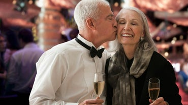 What Are Some Common 45th Wedding Anniversary Gifts?