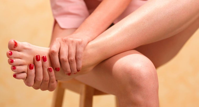 common-causes-pain-feet-toes
