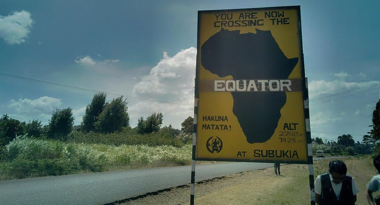countries-lie-equator