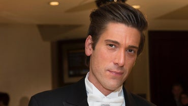 Is David Muir Married?