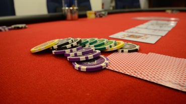 Do You Deal Poker to the Left or to the Right?